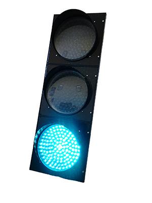 Светофор с зеленым светом